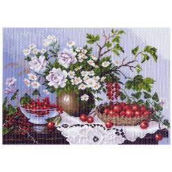 """Канва с рисунком 'Натюрморт с ягодами' (33*45 см) 37*49 см """"Матренин посад"""""""